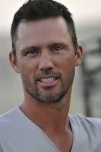 Star -jeffrey donovan dodd
